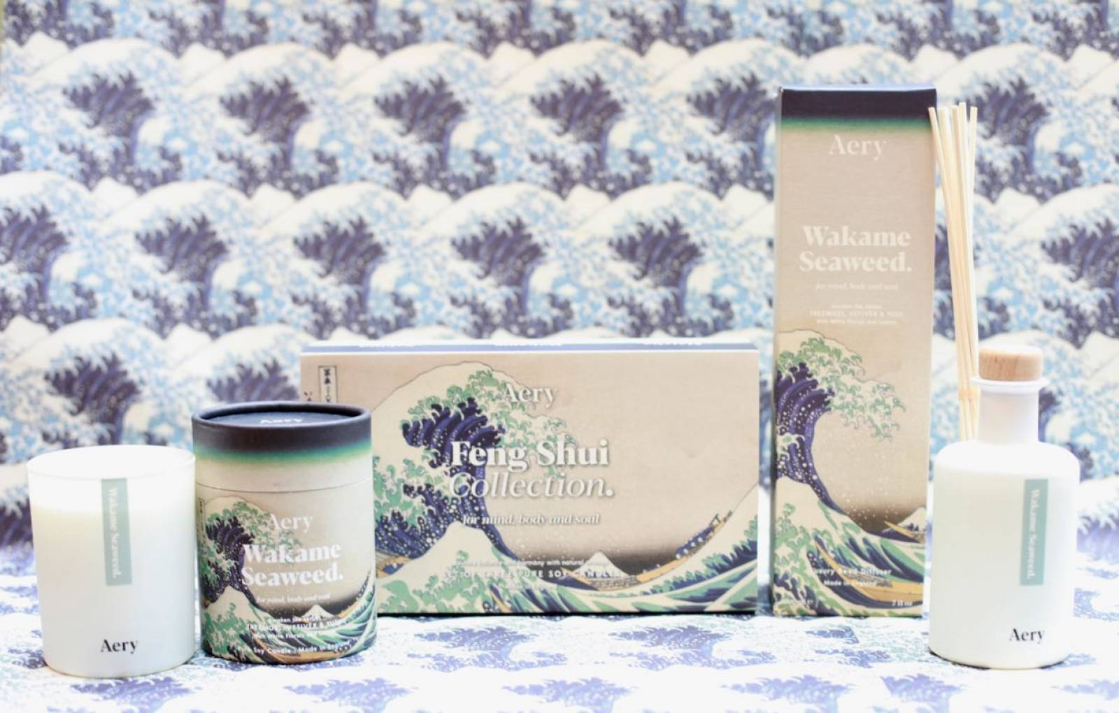 Wakame Seaweed Boxed Candle By Aery thumbnails