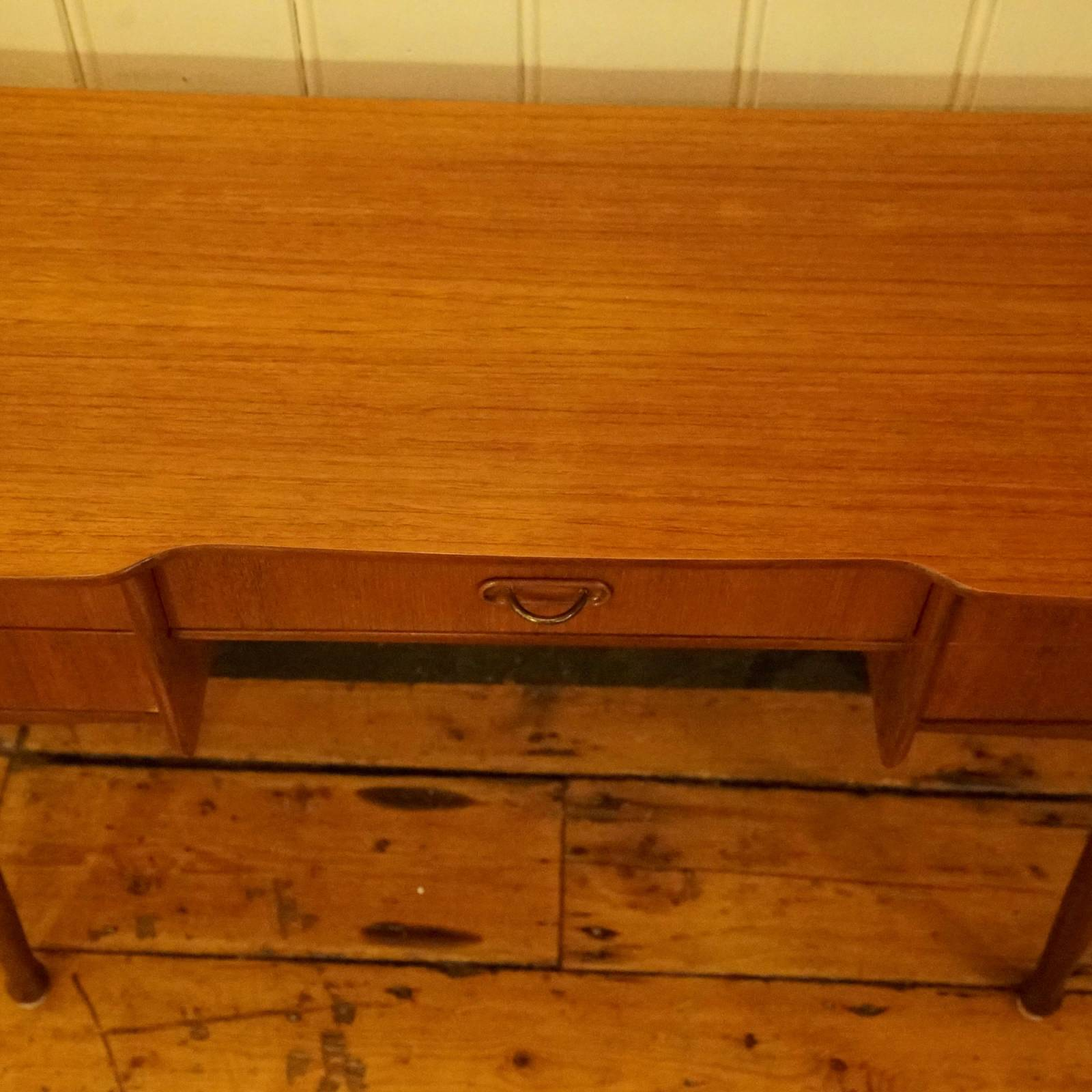 Mid Century Low Teak Dressing Table With 5 Drawers thumbnails