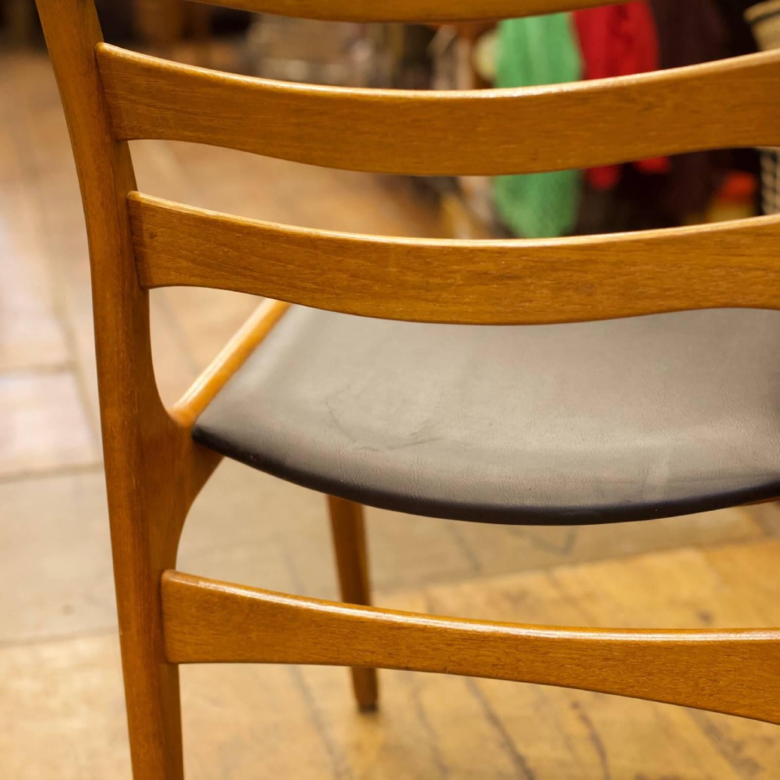 Set of 6 Mid Century Danish Teak Chairs thumbnails