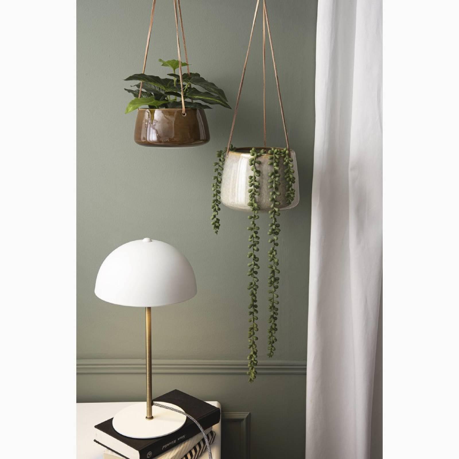 Bonnet Metal Table Lamp In White thumbnails