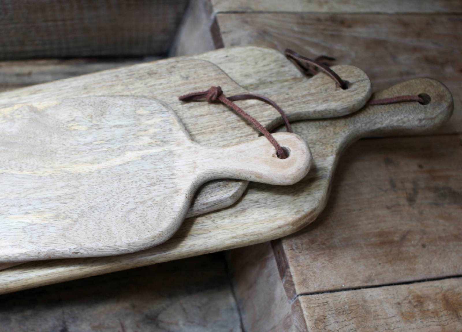 Chunni Chopping Board- Long With Handle