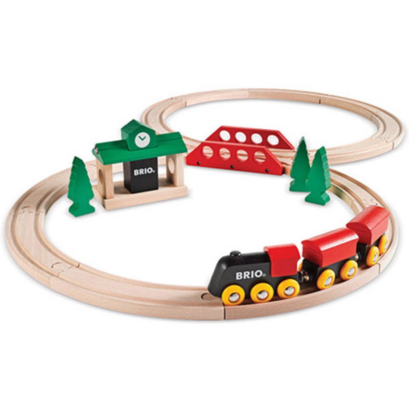 Classic Figure of 8 Set BRIO Wooden Railway 3+