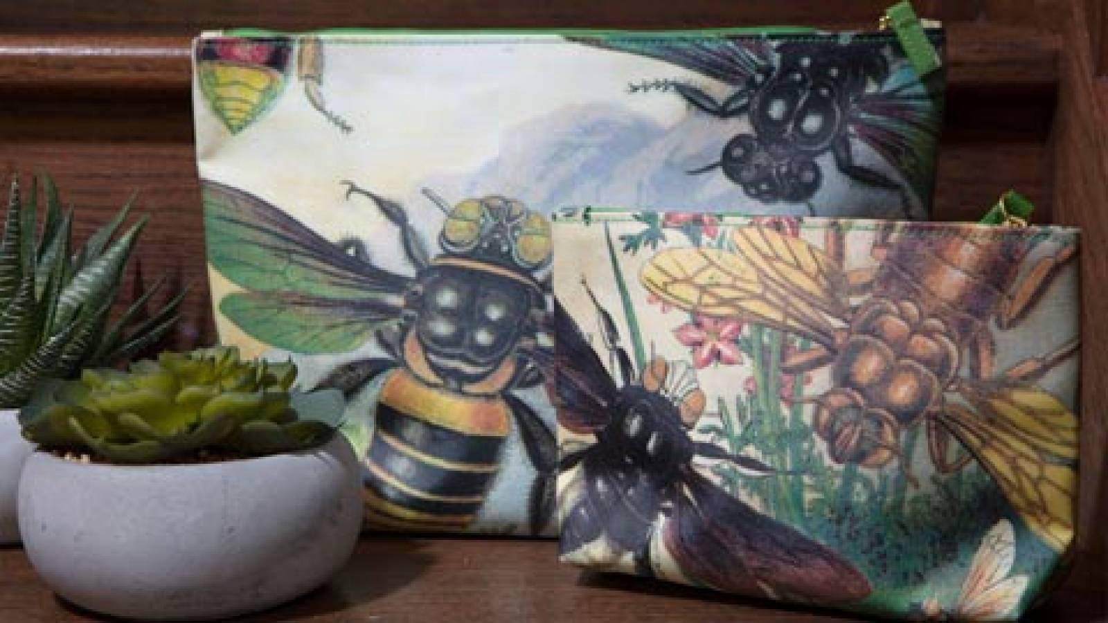 Rainbow Bugs Washbag Large thumbnails