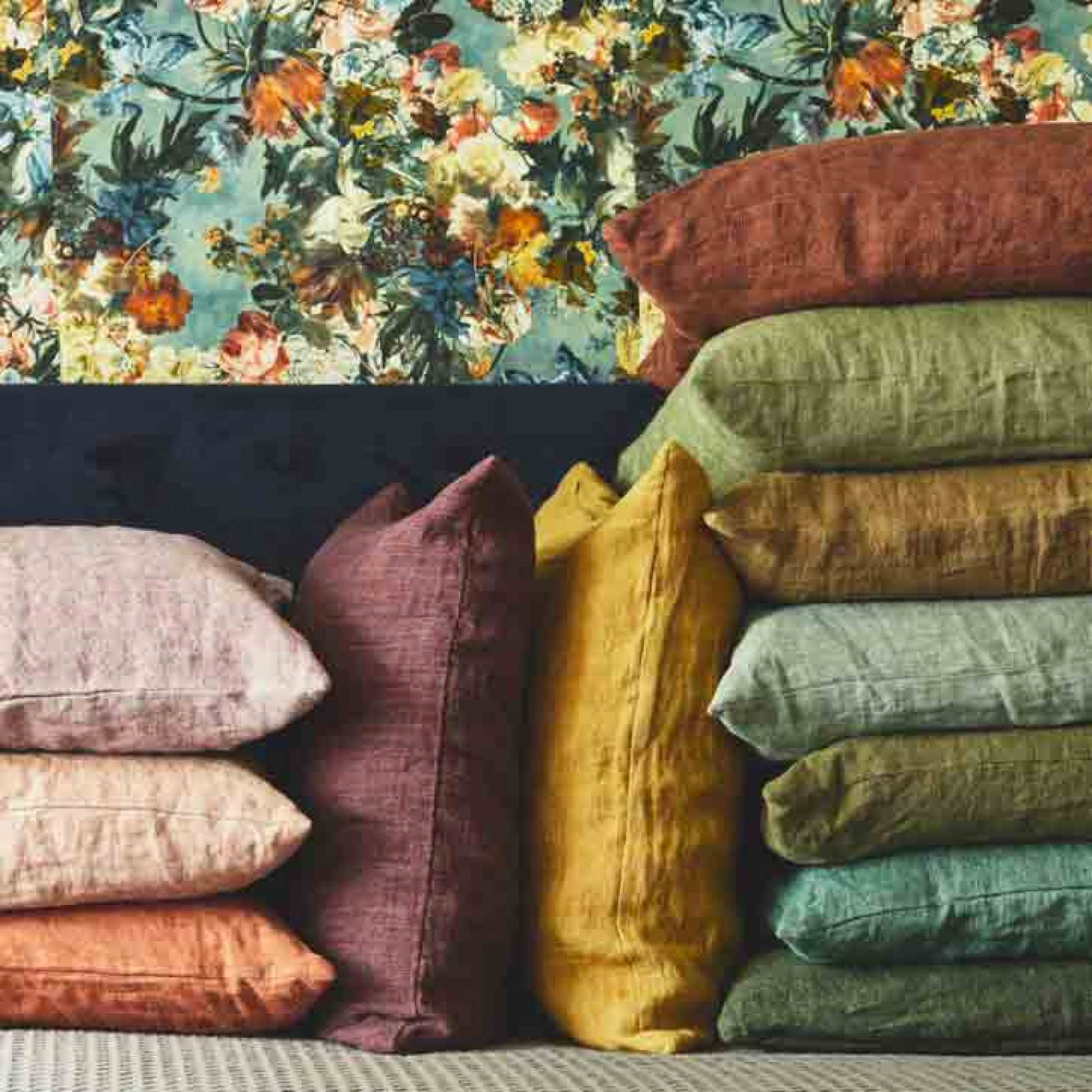 Square Linen Cushion In Elm Wood thumbnails