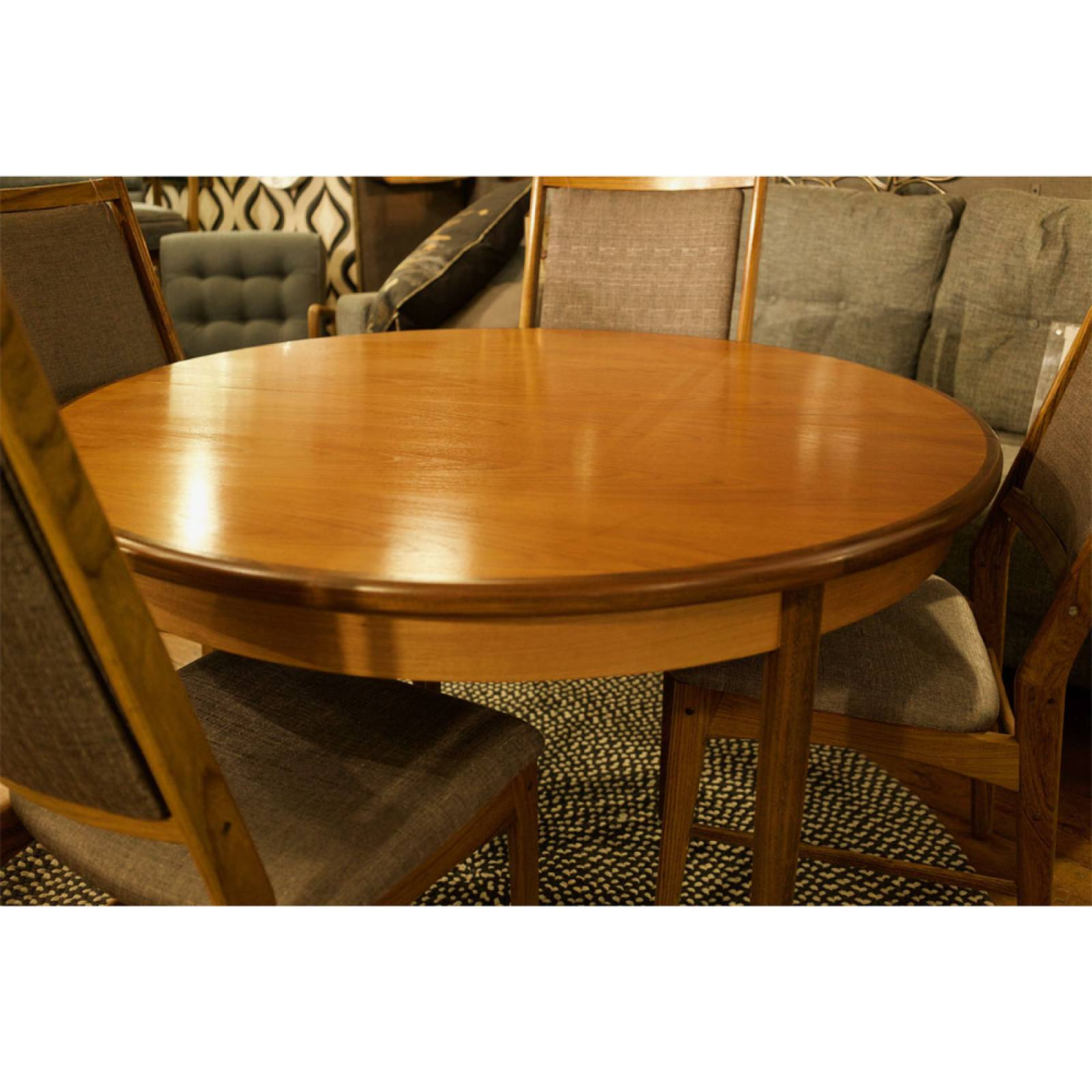 G Plan Fresco Circular Extending Dining Table