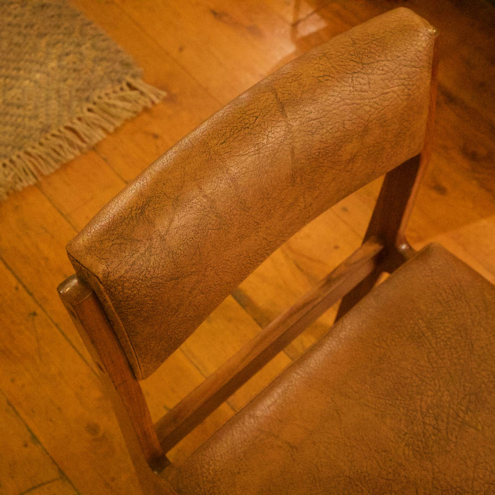 Set of 4 McIntosh Dining Chairs Brown Vinyl Upholstery thumbnails