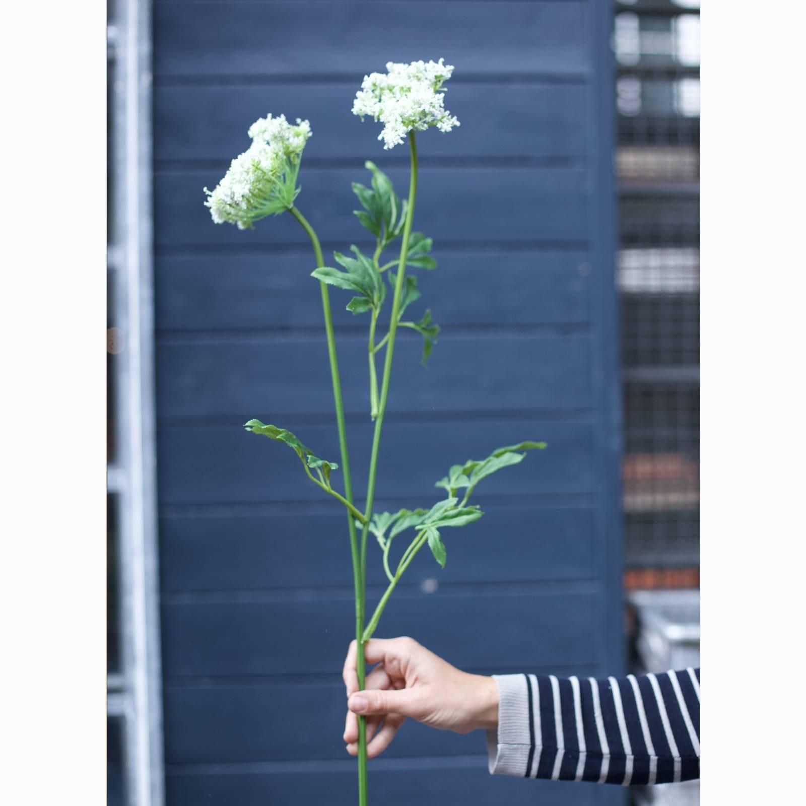 Faux White Queen Anne's Lace Flower Spray thumbnails