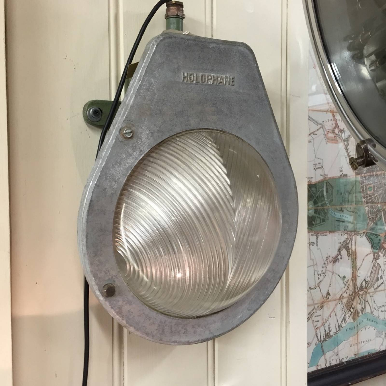 Galvanized Industrial Bulkhead Light With Holophane Glass WC