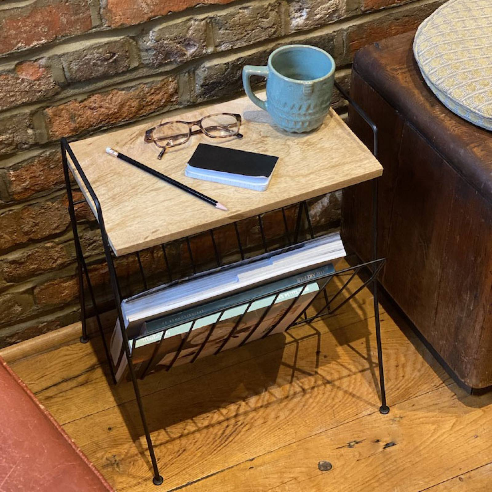 Black Wire Magazine Rack With Wood Shelf thumbnails