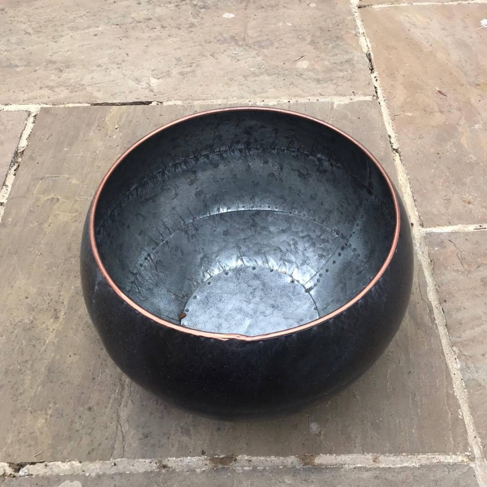 Medium Curved Zinc Planter Pot thumbnails