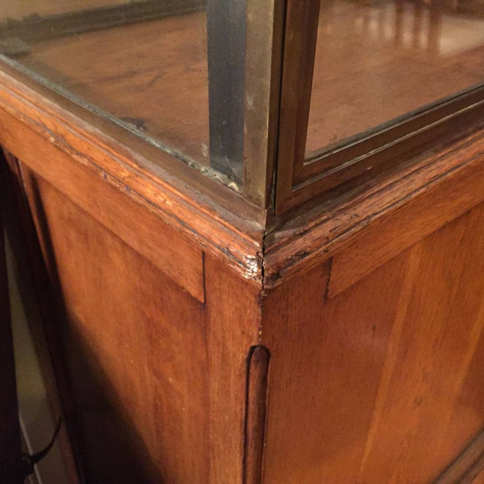 Oak Bottom Display Cabinet With Glass Sides And Door thumbnails