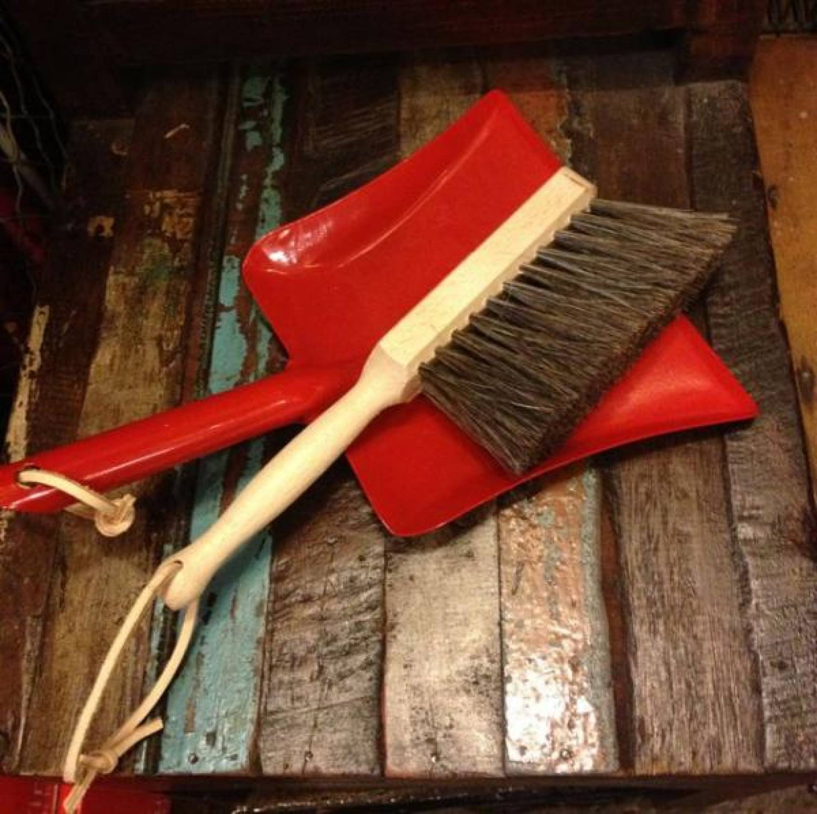 Toy Dustpan And Brush RED Metal Pan.16x24cm.