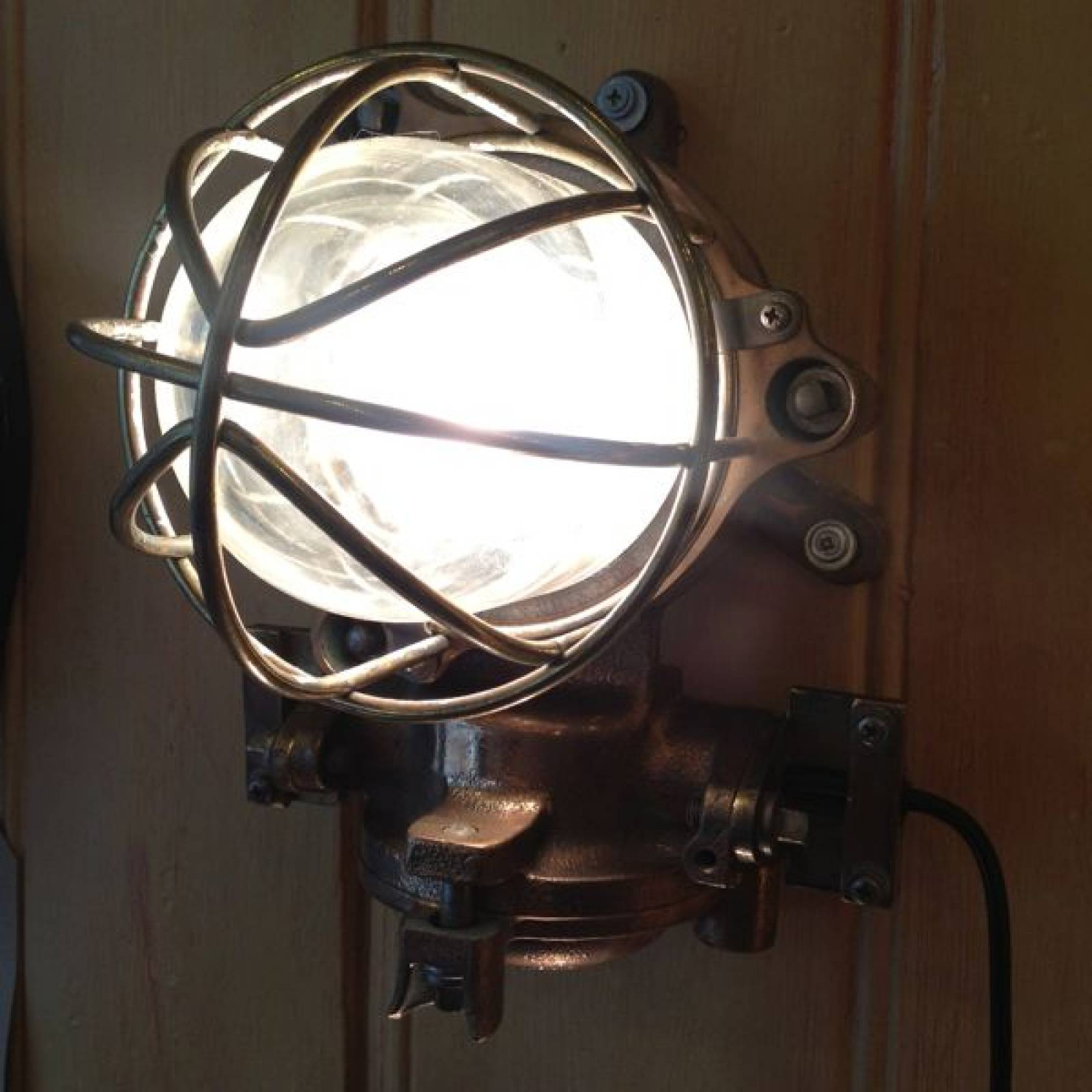 Bronze Polished Ship's Engine Room Lamp With Glass Dome thumbnails