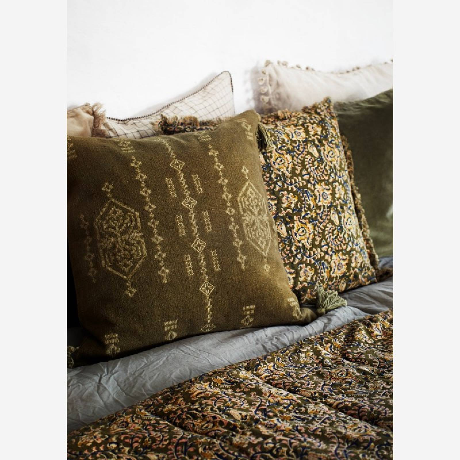 Quilted Cotton Blanket Throw With Tassels In Olive Green thumbnails