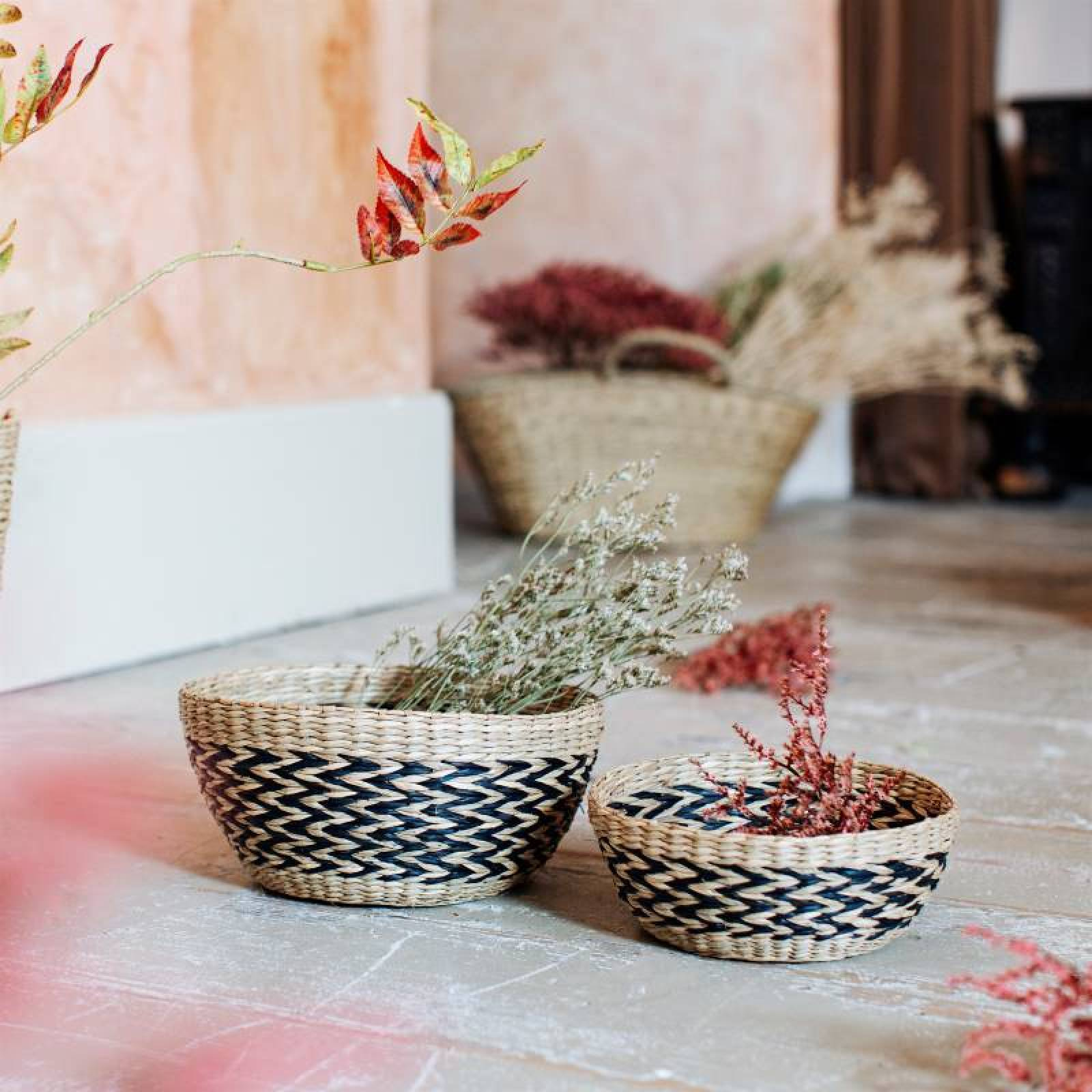 Set Of 2 Woven Seagrass Chevron Patterned Bowls thumbnails