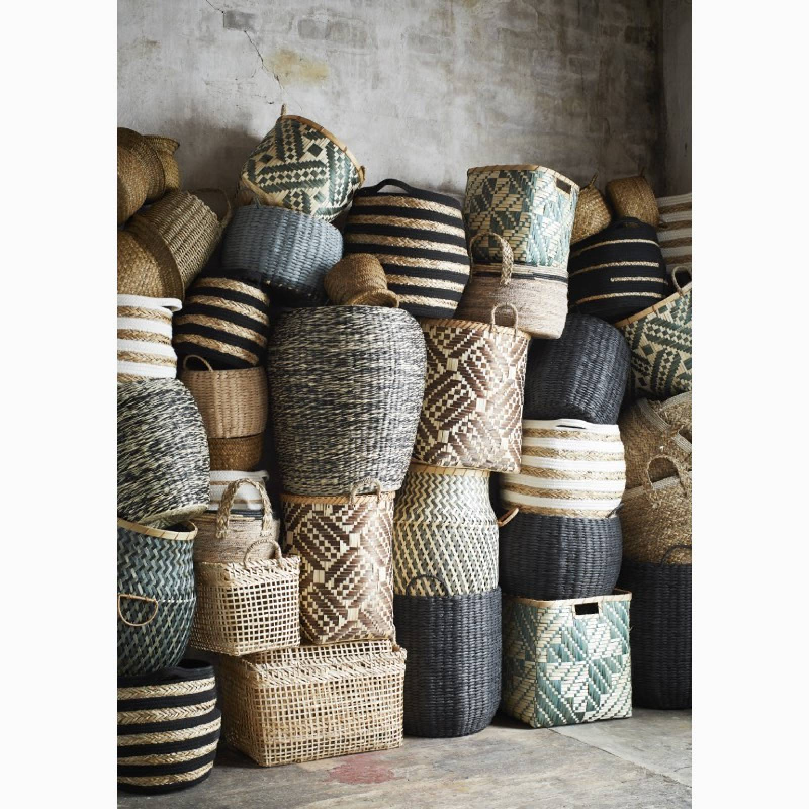 Small Circular Basket With Handles & Cotton Trim 34x21cm thumbnails