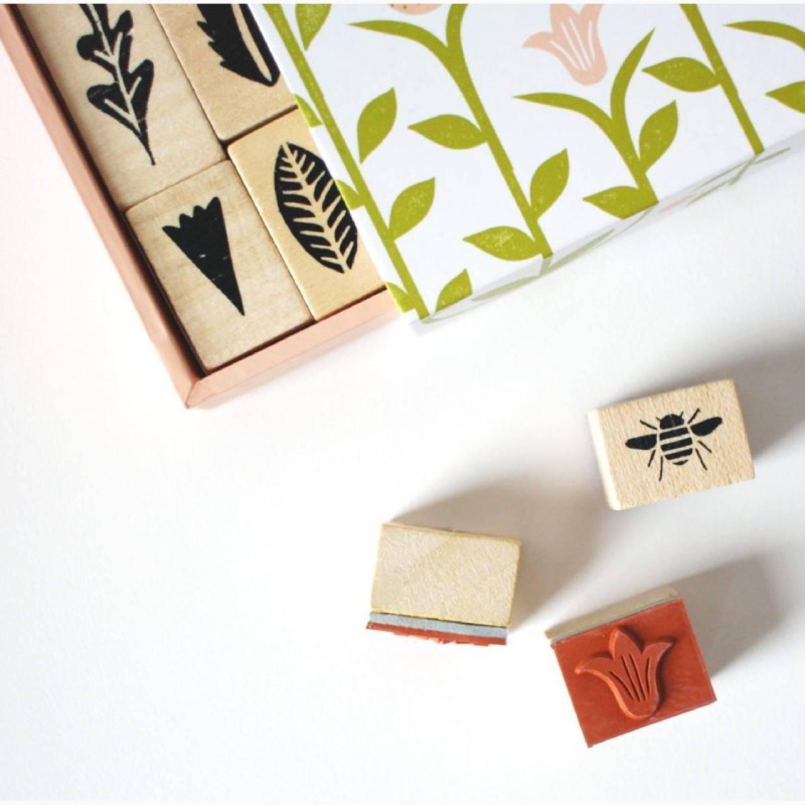 Stamp Garden - 25 Piece Wooden Stamp Set thumbnails