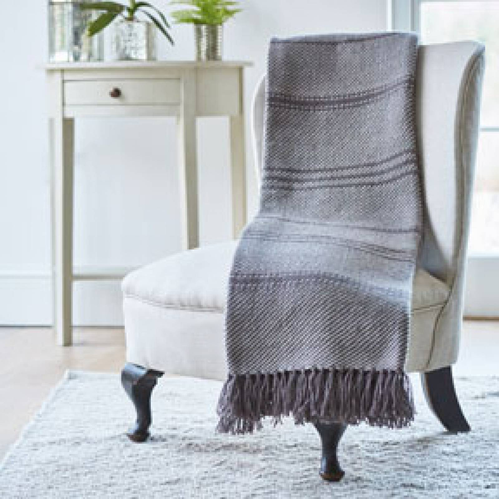 Tabby Grey Oxford Blanket From Recycled Bottles thumbnails