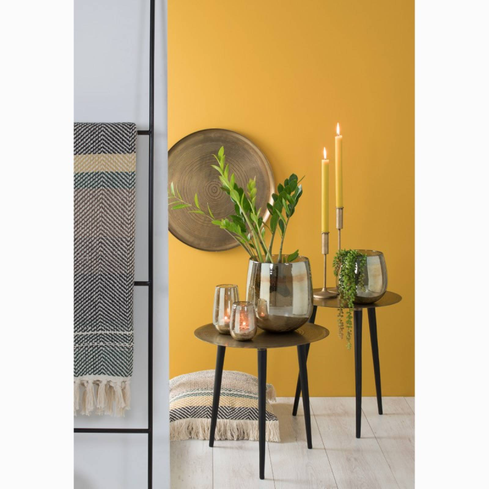 Trunk Circular Side Table In Gold And Black 45x47cm thumbnails