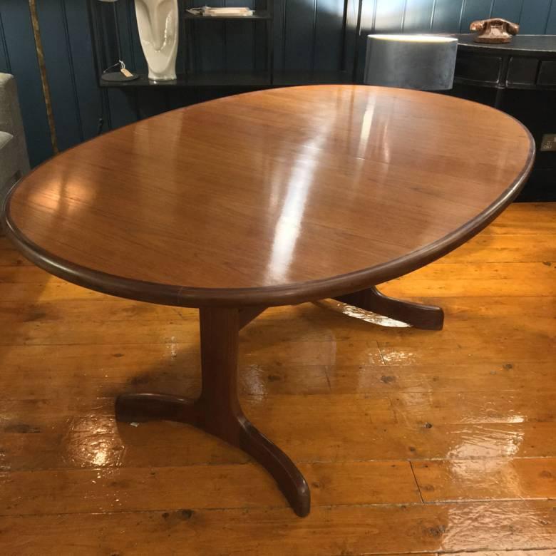 1960s G Plan Fresco Model 4388D Teak Oval Extending Dining Table