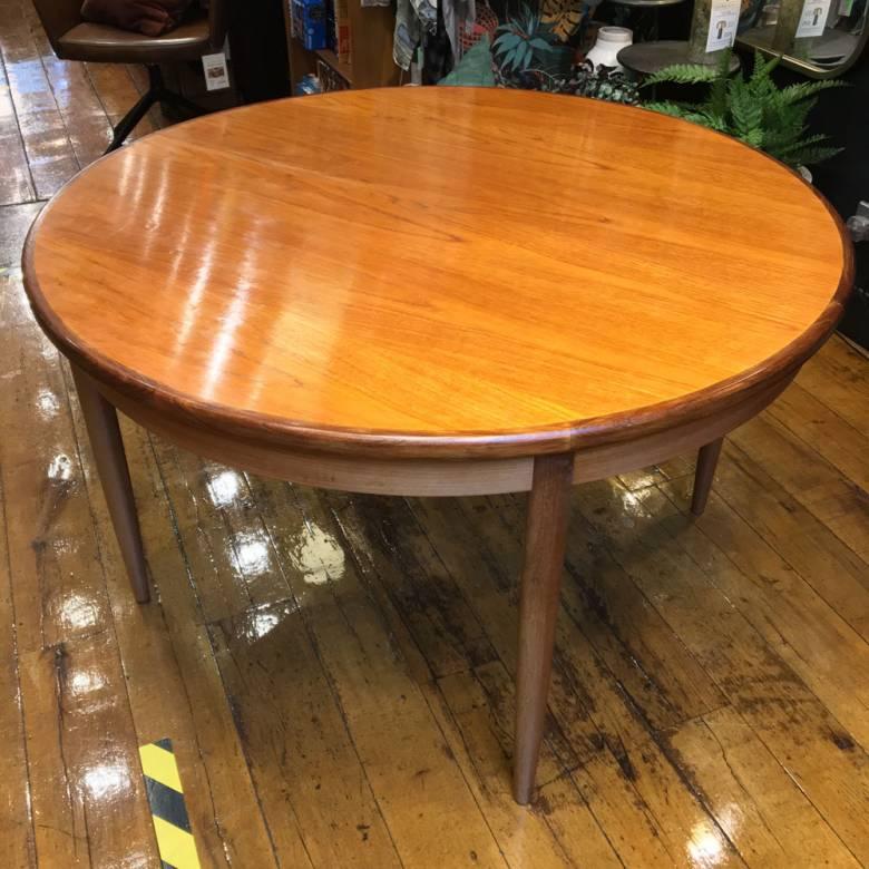 1960s G Plan Fresco Model 4385 Circular Extending Dining Table