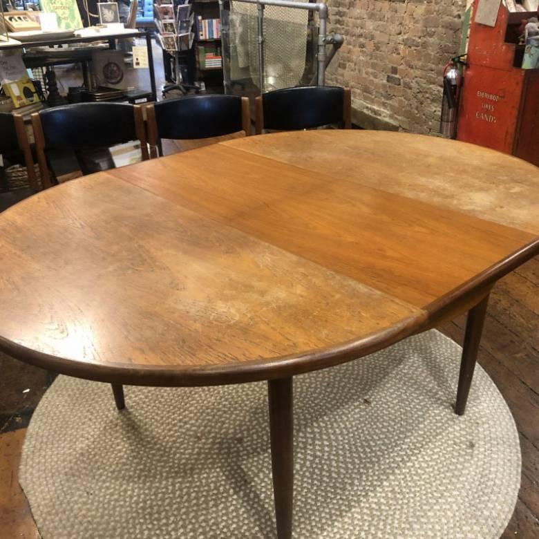 UNRESTORED 1960s G Plan Fresco Circular Extending Dining Table