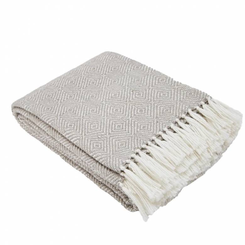 Chinchilla Diamond Blanket Made From Recycled Bottles