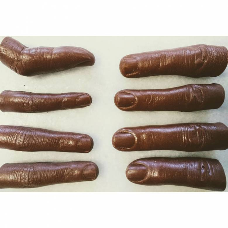 Chocolate Fingers - Milk Chocolate By The Edible Museum