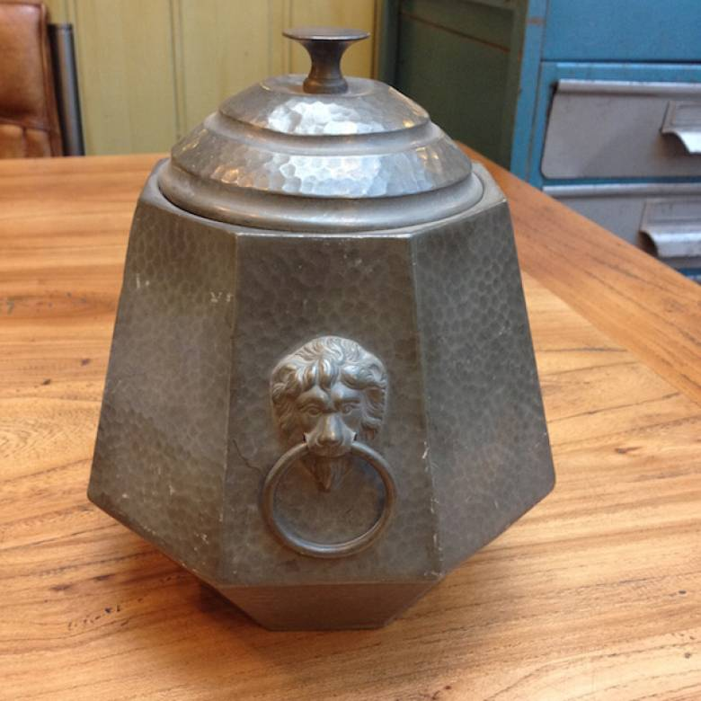 Hexagon Pewter Caddy with Lion Handles Argent 1045