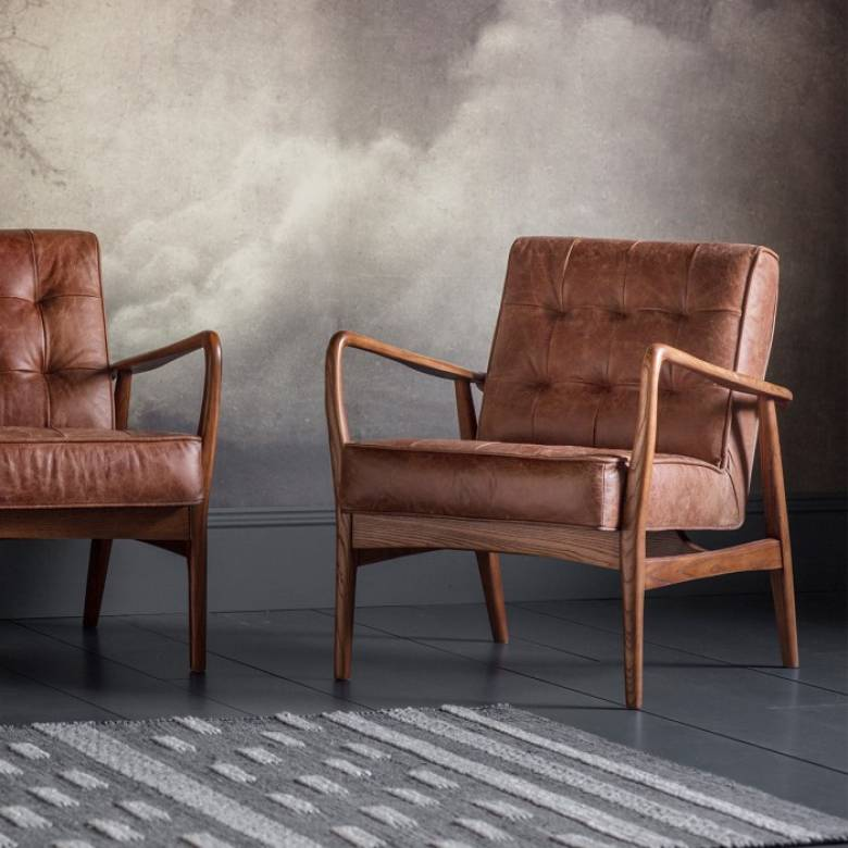 The Olsen - Armchair in Distressed Brown Leather