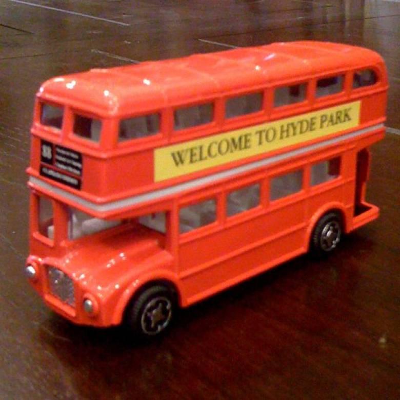 London Routemaster Bus Die Cast.