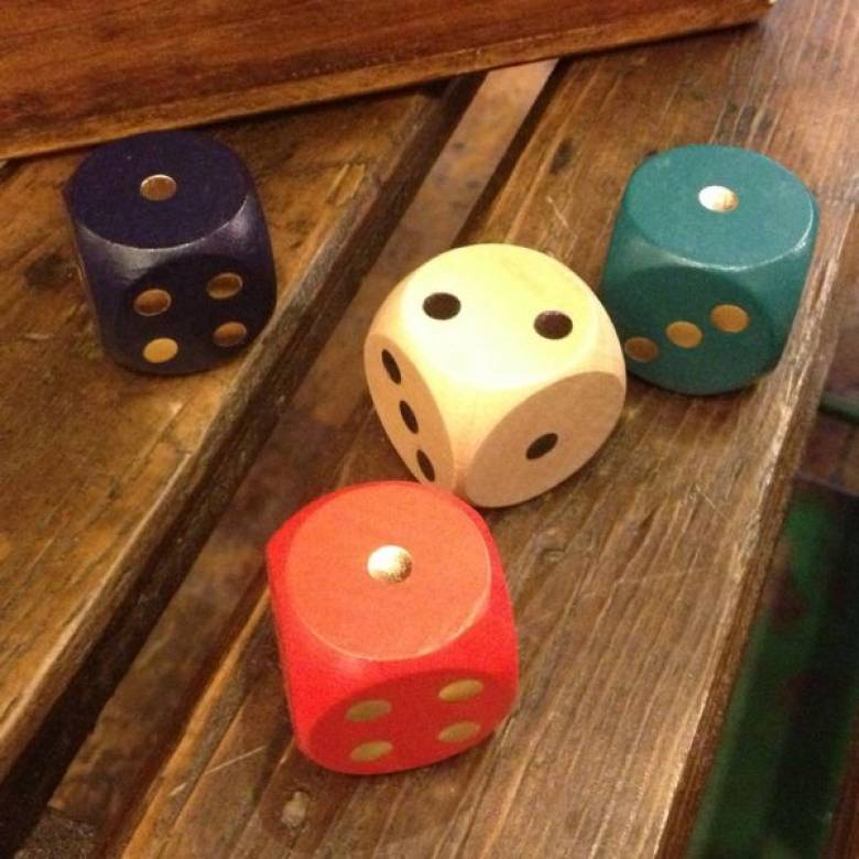 Single Wood Dice 3cm Various Colours.