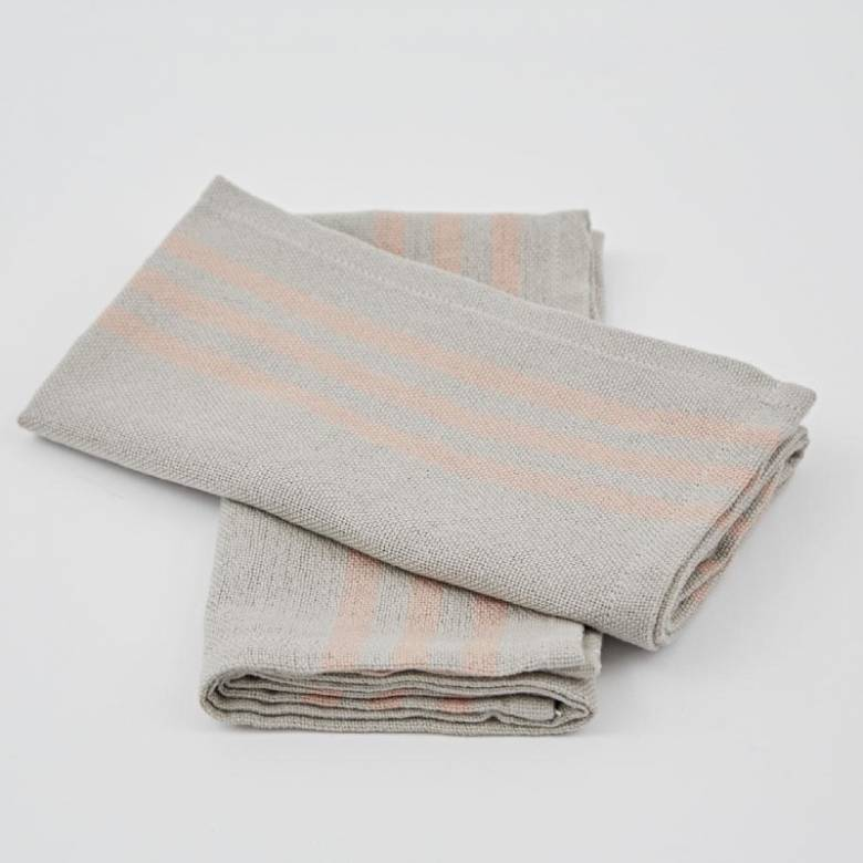 Set Of 4 Maxime Napkins In Coral Made From Recycled Bottles