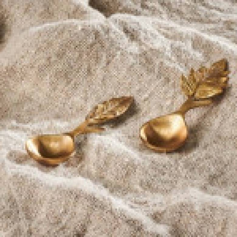 Short Brass Leaf Spoon With Spikey Leaf 10cm