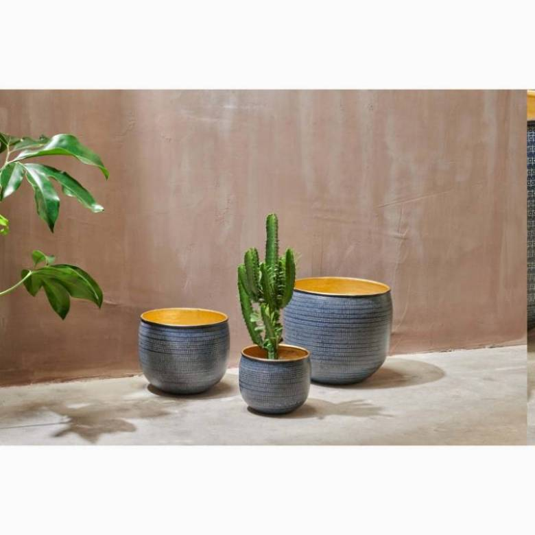 Medium Metal Etched Planter In Black & Gold H: 25cm