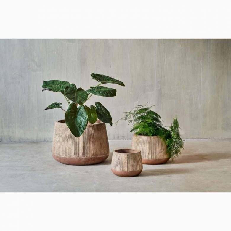 Small Wide Planter In Distressed Terracotta H: 15.5cm