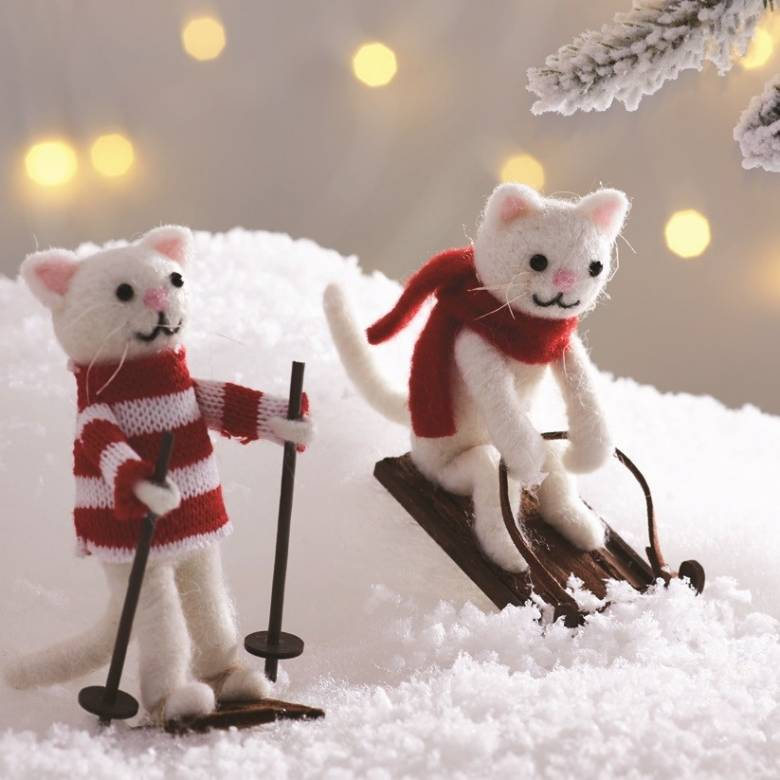 Snow Cat Felt Christmas Decoration Skiing or Sledging