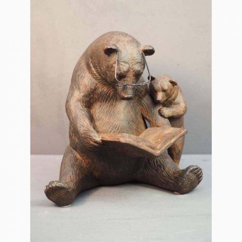 Story-Telling Bears Figure