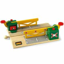 Magnetic Action Crossing  BRIO® Wooden Railway Age 3+