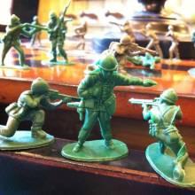 Tiny Plastic Soldier - Single Figure